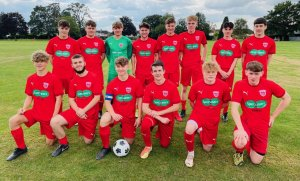 Didcot football team scores sponsorship from local opticians